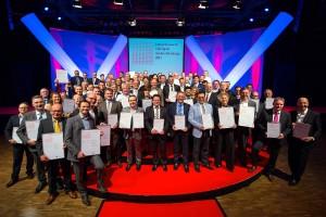 Die strahlenden Sieger des interzum award: intelligent material & design 2013, darunter gleich drei österreichische Unternehmen mit ihren Produkten. Foto: Koelnmesse