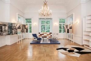 """Die Ausstellung """"Vivera alla Ponti"""" zeigt anhand von Bildern, Skizzen und Texten Gio Pontis sowie Stücken der Re-Edition von Molteni&C das Pontis Lifestyle. Foto: Nadine Poncioni"""
