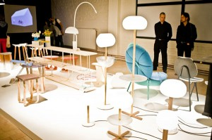 In Kortrijk warten Kreationen und Innovationen, die Branche - Hersteller, Designer, (Innen-)Architekten und Kreative angrenzender Disziplinen – gibt sich ein Stelldichein. Foto: Biennale Interieur NPO