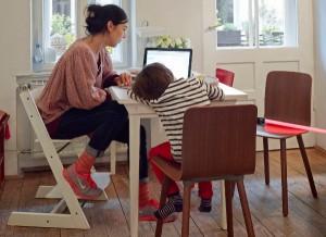 Home trifft Office trifft Design: Mit den Möbeln von Vitra lässt sich der Arbeitsplatz ganz einfach integrieren. Foto: Vitra
