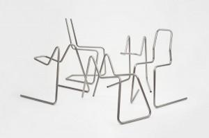 """Mit """"Steel tube bending"""" lotet Thomas Feichtner zusammen mit Thonet und BLM die Grenzen der Biegetechnik aus. Das Ergebnis: Neue Sitzobjekte in Sekundenschnelle. Foto: Studio Thomas Feichtner"""