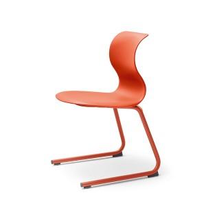 PRO von Flötotto (Design: Konstantin Grcic) ist von ursprünglich einem Stuhl zu einer ganzen Stuhl-Kollektion erwachsen. Foto: Flötotto