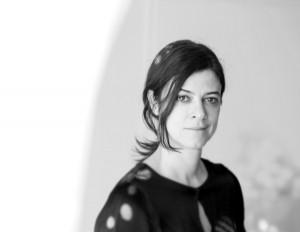 """Isa Glink, Creative Director bei Kinnasand, wollte die """"Poesie von Materialität"""" zeigen. Foto: Kinnasand"""