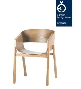 """Der Stuhl """"Merano by TON"""" von Designer Alexander Gufler erhielt mit dem """"German Design Award Nominee 2014"""" bereits die dritte Auszeichnung. Foto: TON"""