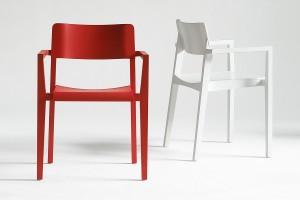 Der Holzstuhl 330 FST von Thonet, designt vom Designerduo Läufer + Keichel. Foto: Thonet