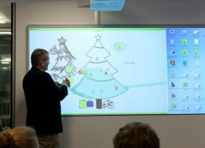 Moderne, zukünftige Arbeits- und Kreativwelten präsentiere Bene in Person von Jens Jacobsen mit dem Innovation Space und den NiceWalls. Foto: Bene AG/Andrea Hirsch
