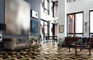 """Parador und Hadi Teherani zeigen mit """"French Oak mixed"""" der Designkollektion """"New Classics Design Edition by Hadi Teherani"""" eine Neuinterpretation des Fischgräts. Foto: Parador"""
