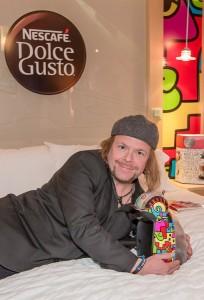 Der renommierte New Yorker Pop Art-Künstler Billy The Artist kreierte das urbane, farbenfrohe Design der Lifestyle-Kaffeemaschine. Foto: NESCAFÉ Dolce Gusto