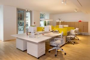 Moderne Lösungen sowohl für den stylischen Wohn- wie auch den Office-Bereich werden gezeigt. Foto: © Pia Odorizzi für Vitra