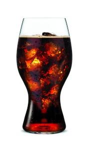 Cooles Glas für's Kultgetränk: Das COCA-COLA + RIEDEL GLAS. Foto: © RIEDEL