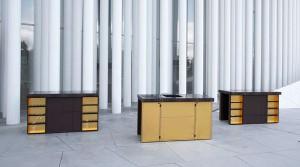 Die Nomad Deluxe Line ist puristisch wie opulent: Die einzelnen Module aus Edel-Materialien wie Blattgold lassen sich individuell kombinieren. Foto: Nomad Kitchen