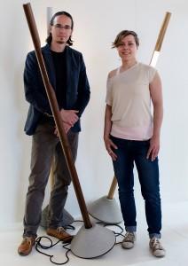 Mag. Doris Koefer, Gründerin dekappa design, und Mag. Julian Gapp mit der Lampe L01. Foto: Eugénie Berger