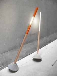 Die Lampe lässt sich stufenlos schwenken und sorgt für direktes oder indirektes Licht. Foto: dekappa design