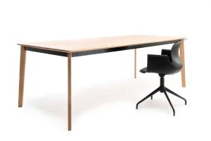 Flötotto erweitert die PRO Stuhl-Serie. Neu dabei ist u.a. das PRO Table-Tischprogramm. © Flötotto