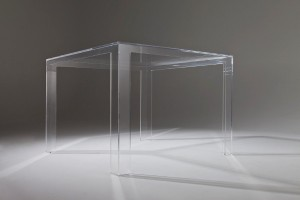 Invisible Table. Design: TokujinYoshioka. Foto: Kartell