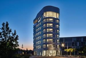 """Occhio bringt das neue Designhotel """"IZB Residence Campus at Home"""" zum Leuchten. Foto: Robert Sprang, München"""