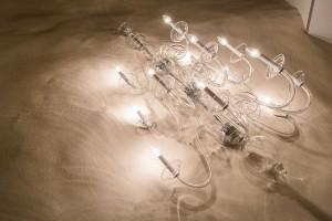 """Die Installation """"Hinter verschlossenen Türen"""" von Vasku & Klug und Preciosa wird im Foyer der Wiener Hofburg gezeigt. Foto: Vasku & Klug/ Preciosa Lighting"""