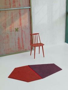 Unendlich kombinierbar und in lässigen Farbenkombinationen setzen die Teppichfliesen Akzente. © Vorwerk