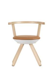 """Rival"""" ist eine moderne Variante des klassischen Holzstuhls und steht zugleich in Arteks Designtradition. © Artek"""
