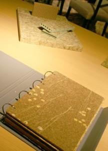 Die Palette an Dekorbeschichtungen und entsprechenden Trägerplatten ist groß. © WOHNDESIGNERS