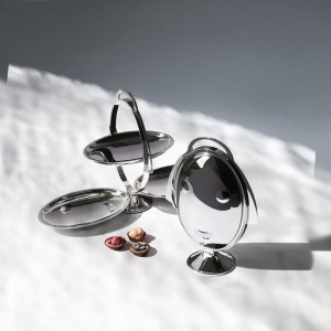 """Anna Gong"", faltbare Etagère von Alessi, designed by Alessandro Mendini. © Alessi"