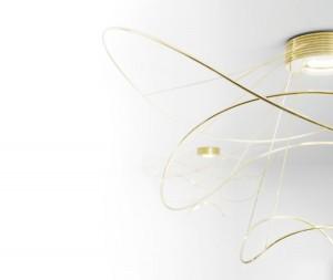 """In Balance: Statik und Dynamik, Licht und Design – """"Hoops"""" vereint alles. © Axo Light"""
