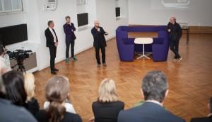 Zahlreiche Gäste feierten mit und lauschten den Ausführungen von Sebastian Hackenschmied. © Bene AG, Andrea Hirsch