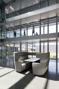 Das PARCS American Diner bildet Räume im Raum und schafft neue, inspirierende Plätze. © Bene AG