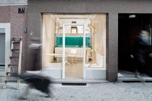 """Opening soon: """"DAS SCHAUFENSTER"""", der neue, gemeinsame Schauraum von MARCH GUT und der Tischlerei Pühringer. © archipicture.at"""