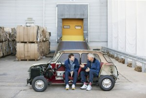 Jake und James Dyson gehen jetzt gemeinsame Wege. © PHOTOGRAPH BY LAURA PANNACK, CAMERA PRESS LONDON