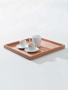 Highlight: Die abnehmbare Tischplatte, die sodann als Tablett fungiert. © KFF