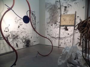"Spurensuche: ""Mapping Bucharest: Art, Memory, and Revolution 1916–2016"". Im Bild: Mihuţ Boșcu Kafchin, Installationsansicht, 2015, Courtesy Galerie Judin. © Mihuţ Boșcu Kafchin"