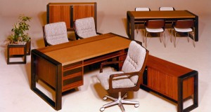 Klassiker revisited: Der legendäre Management Tisch soll zeitgemäß restylt werden. © Neudoerfler