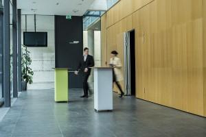 Der RELAX Table von Nina Mair für YDOL ist ein akustisch wirksames Möbel. © Peter Philipp