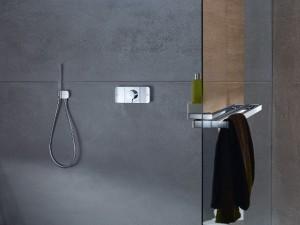 Das Bedienelement kommt in dezentem Design daher. © Axor