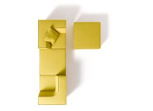 All in one: Im Handumdrehen verwandelt sich TRIO vom Sitzmöbel zum Schlafsofa zur Relaxoase – und zurück. © COR