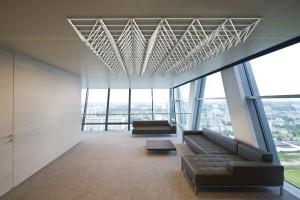 Lässig: Ob an Wand oder Decke, macht LIGEO SL in jedem Raum und in allen möglichen Formen beste Figur. © GIP Innovation Tools GmbH