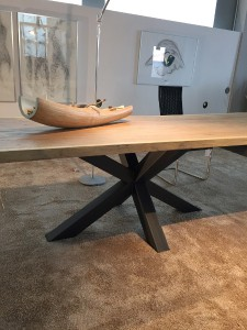 Schulte Design stellt heuer die neue Tischserie 'Castle Old Style' vor. © Schulte Design