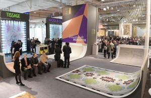 Bei Innovations@DOMOTEX werden die 24 Finalisten in Szene gesetzt und stehen damit voll im Rampenlicht. © Deutsche Messe