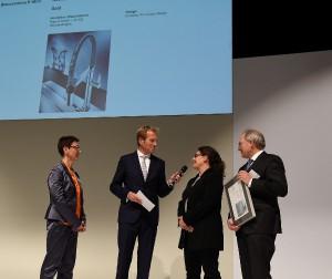 BLANCO gewinnt beim Internationalen Designpreis Baden-Württemberg doppelt. Brigitte Ziemann (Leitung Konzept und Design; 2.v.re.) nahm die Preise entgegen. © BLANCO