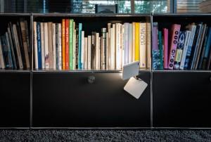 Dank 3D-Gelenkkopf sowie unsichtbar integrierten Magneten ist sie flexibel einsetzbar. © Nimbus Group