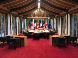Zwei für sieben: Die Sessel COCO und TONIC von ROSSIN sorgten beim G7-Gipfel für Sitzkomfort. © ROSSIN