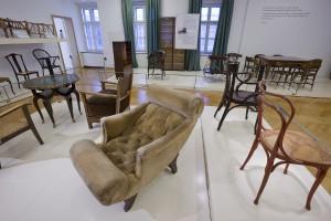 """Das """"Hofmobiliendepot"""" beherbergt die wohl größte Sammlung an Möbeln von Adolf Loos und lädt zum """"Loos-Tag"""". © BMobV/Lammerhuber"""