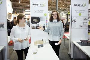 """Vanessa Jaritz und Christine Zeiler belegten mit """"Gardobe für alle"""" Platz 2. © design for all/APA-Fotoservice/Preiss"""