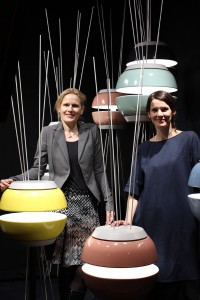 """Charmant: """"Artis"""" wurde von Andrea Leifert, Villeroy & Boch-Vertriebsleiterin Österreich, und Designerin Gesa Hansen bei der H.O.M.E.D.E.P.O.T 2016 präsentiert. © Villeroy & Boch"""