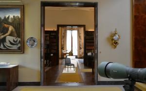 Heimisches Design wird mit der von Georg Œhler und Rio Kobayashi kreierten Ausstellung in der Villa Necchi in Szene gesetzt. © Georg Œhler Design