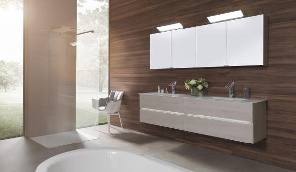 starker rot wei roter auftritt wohndesigners. Black Bedroom Furniture Sets. Home Design Ideas