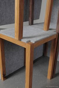 Holz, konkret Eiche, und Filz sind die Materialien der Wahl. Ein Highlight ist die raffinierte Verbindung. © Nikolaus Korab