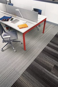 """Flexible Gestaltungsmöglichkeiten eröffnet die Kollektion """"Silver Linings™"""". © Interface"""