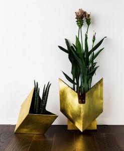 """Blüten waren Karin Binders Inspirationsquelle für die Leuchte ebenso wie für die """"Rautenblume"""", eine Outdoor-Vasen-Serie. © ka.ma interior design"""